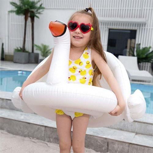 Bouée petite fille cygne parasoleil