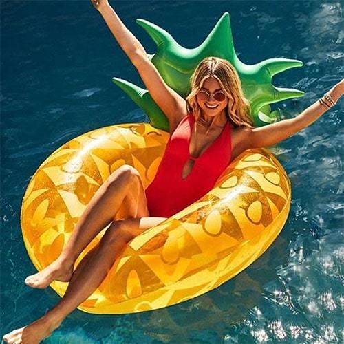 Bouée ronde piscine ananas
